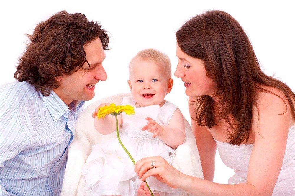 Почему меняются отношения в семье после рождения ребенка?