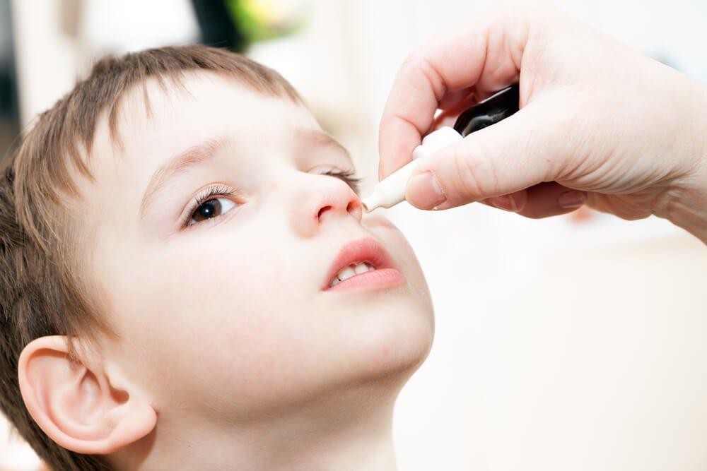 Капли от насморка и основные лечебные средства для детей