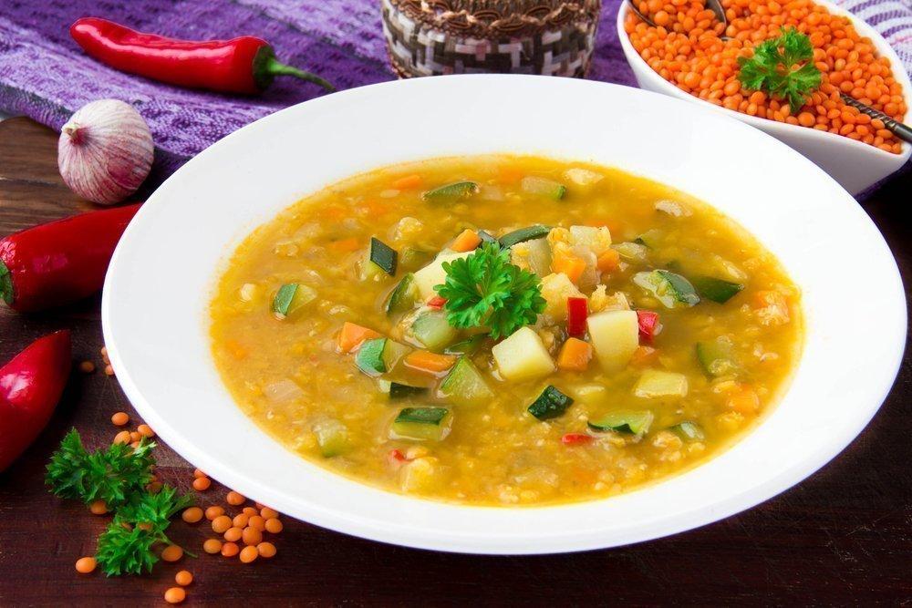Правильное питание и диета: вегетарианский суп или мясной?