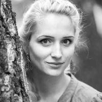 Мария Монахова инструктор универсальной йоги.jpg
