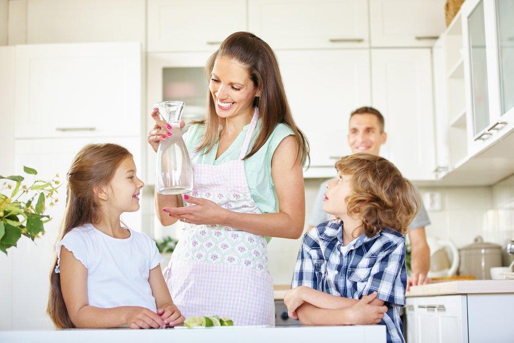 Картинки по запросу семья вода