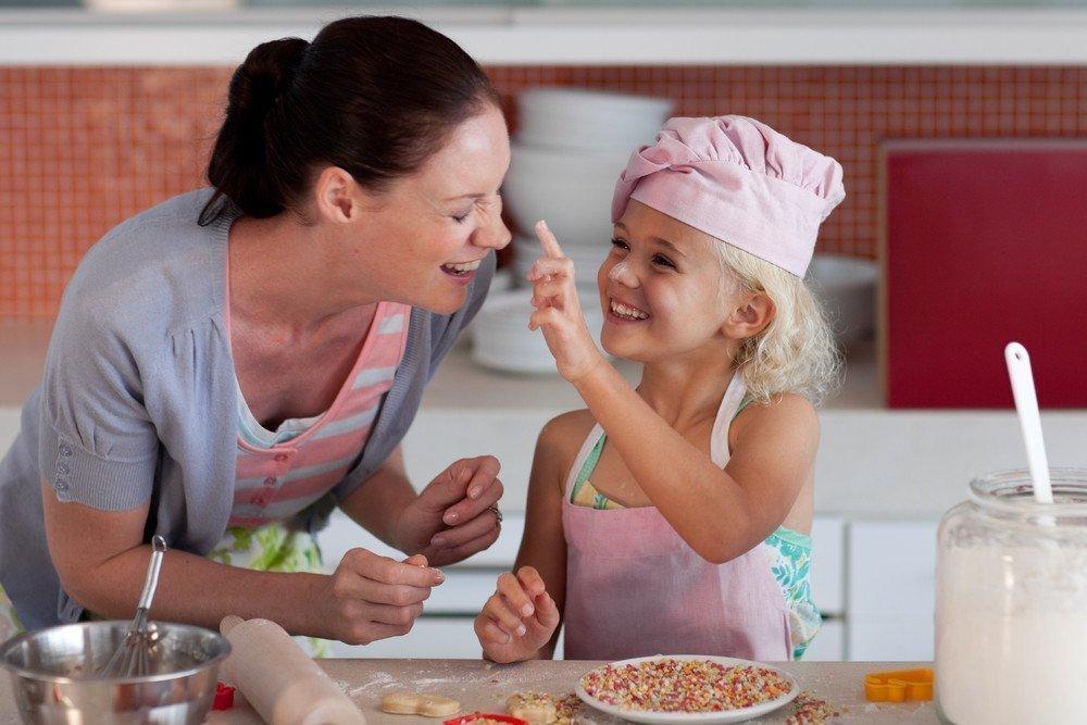 Привычка брать ребенка на кухню