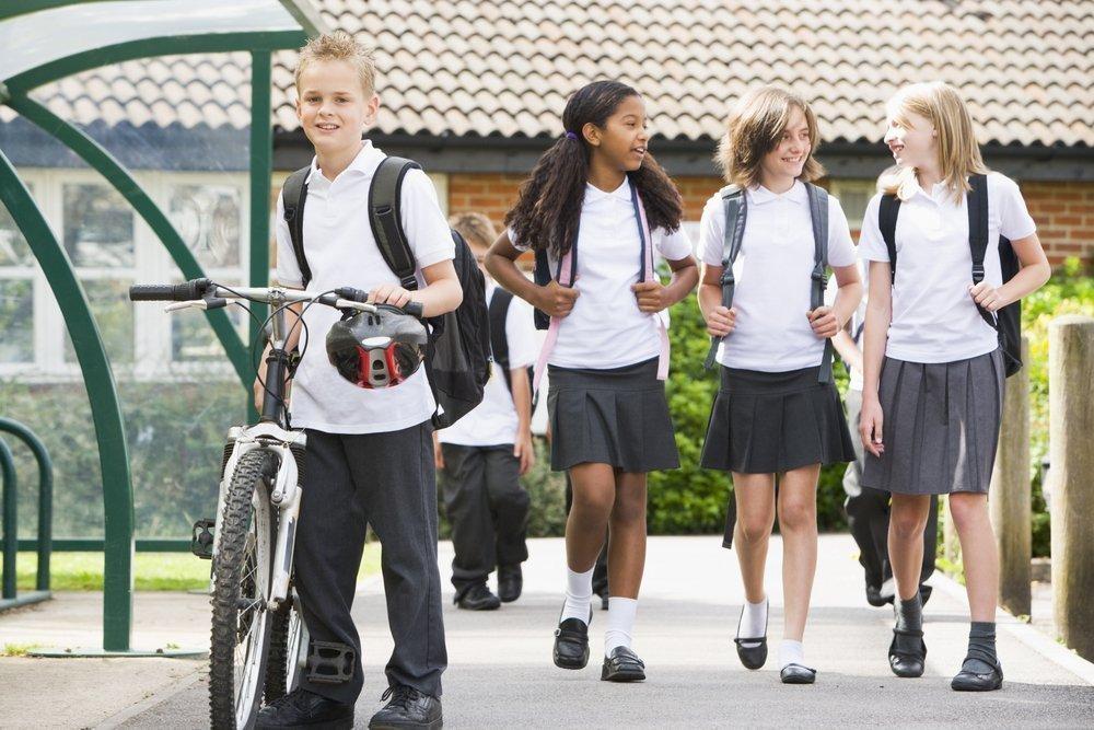 Уравнивает ли школьная форма детей из разных социальных слоев?