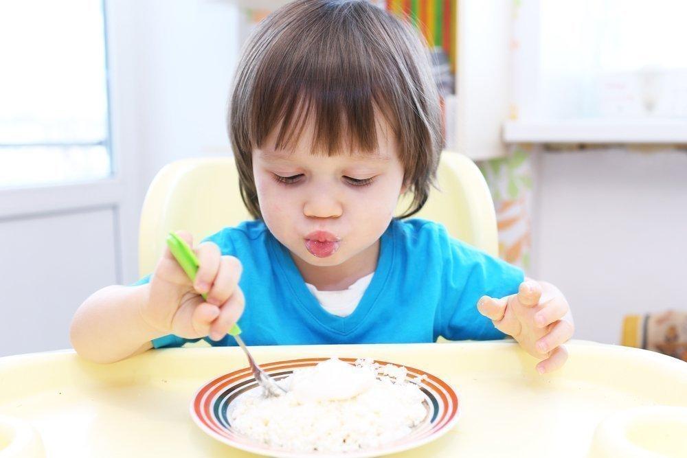 Малыш и множество блюд из творога