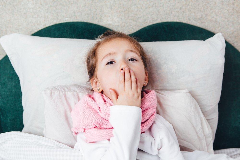 Как проявляется коклюш у детей: симптомы болезни