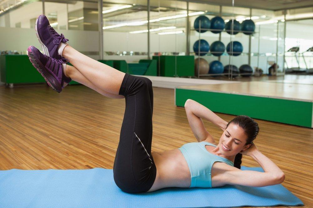 Упражнения для сжигания жира на животе и боках
