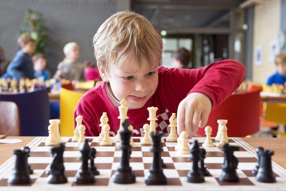 В каком возрасте лучше отдавать ребенка в спортивные секции