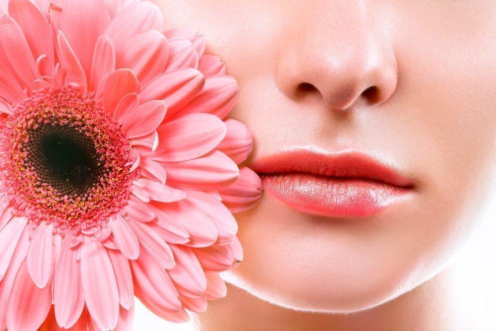 Красота и здоровье кожи губ: вся польза скрабов