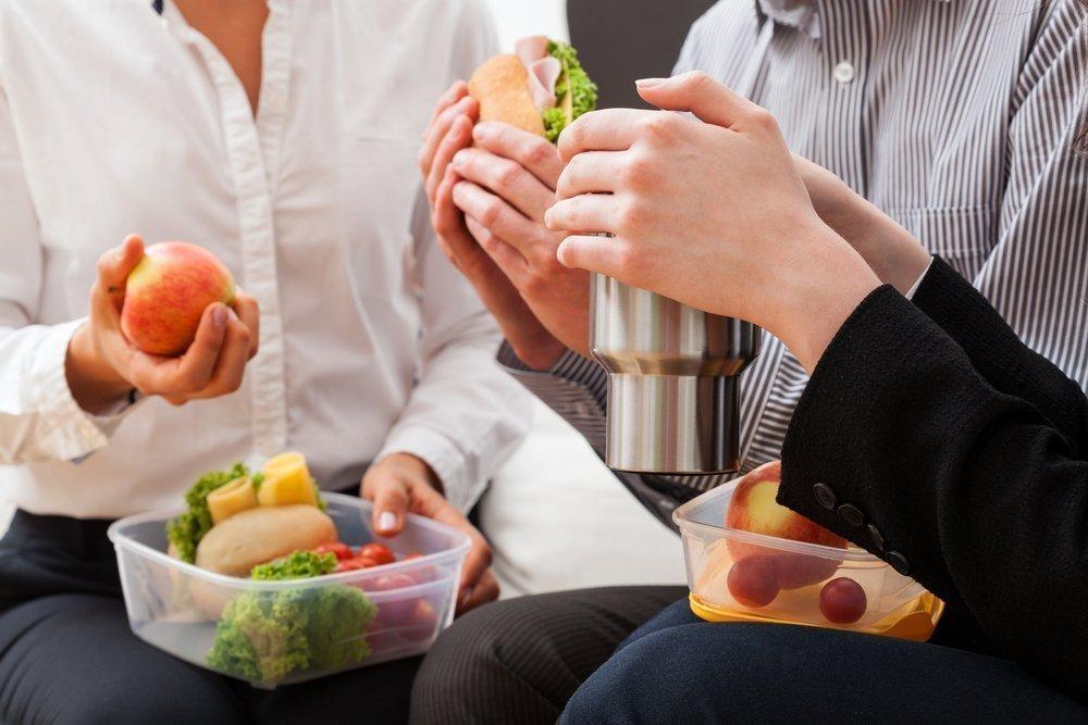 Питание между основными приемами пищи: полезные советы