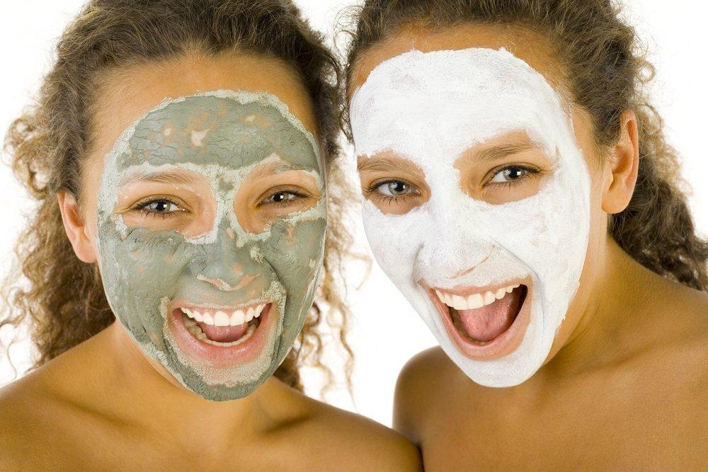Полезные свойства голубой глины для красоты кожи