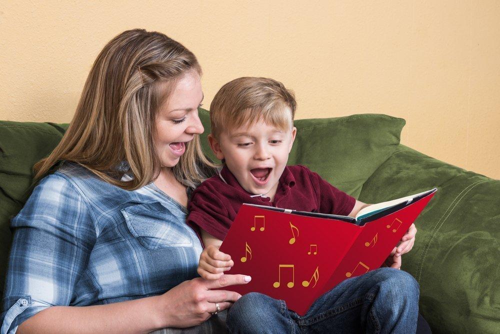 В какие игры родители могут играть со своим малышом