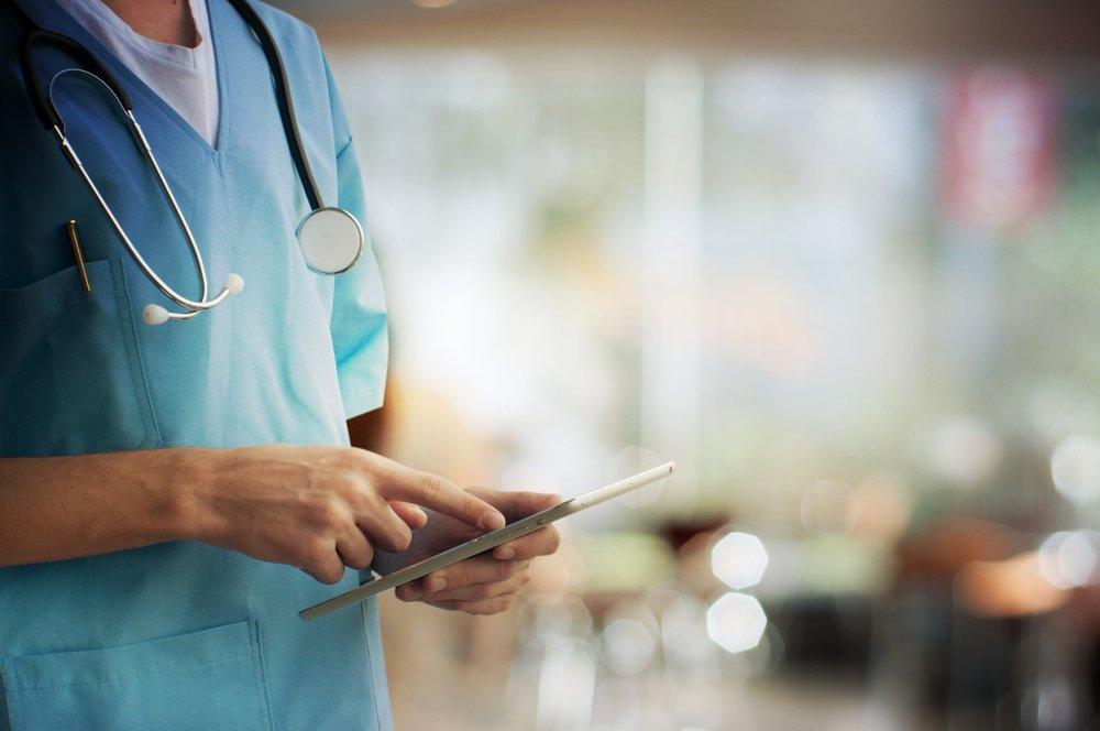 Какие врачи могут помочь при болезни Крона?