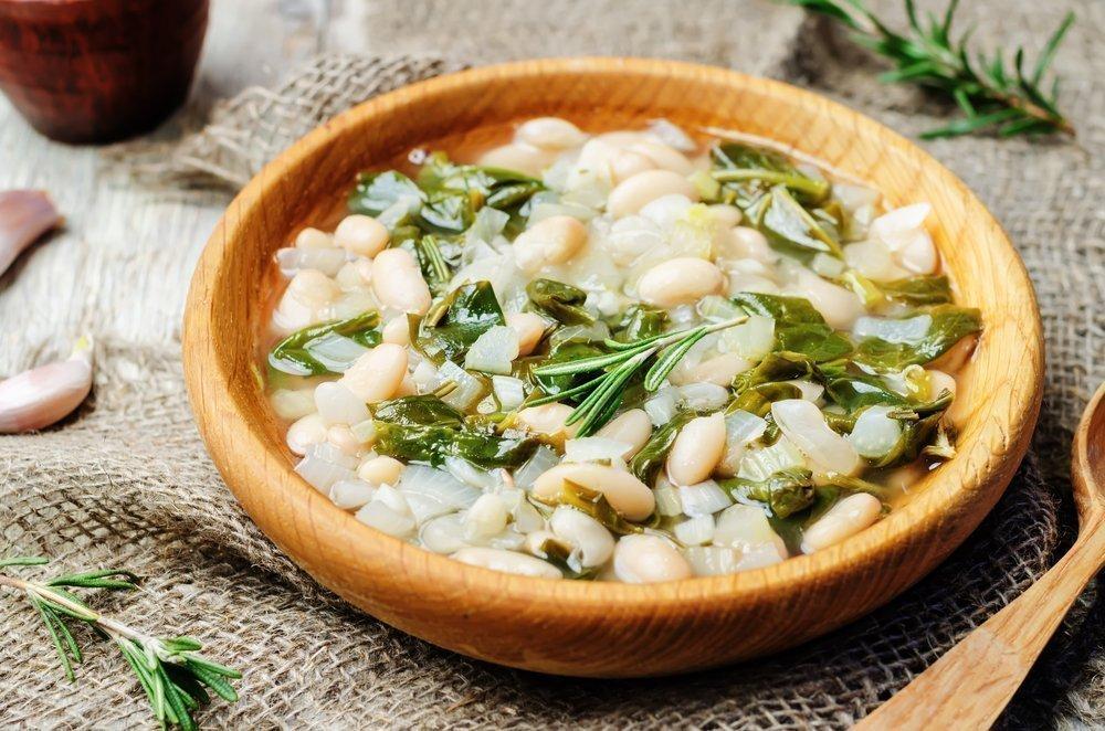 Вкусный и полезный суп с фасолью и шпинатом