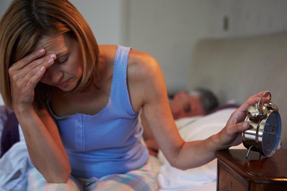 Сон во время менопаузы: причины нарушений