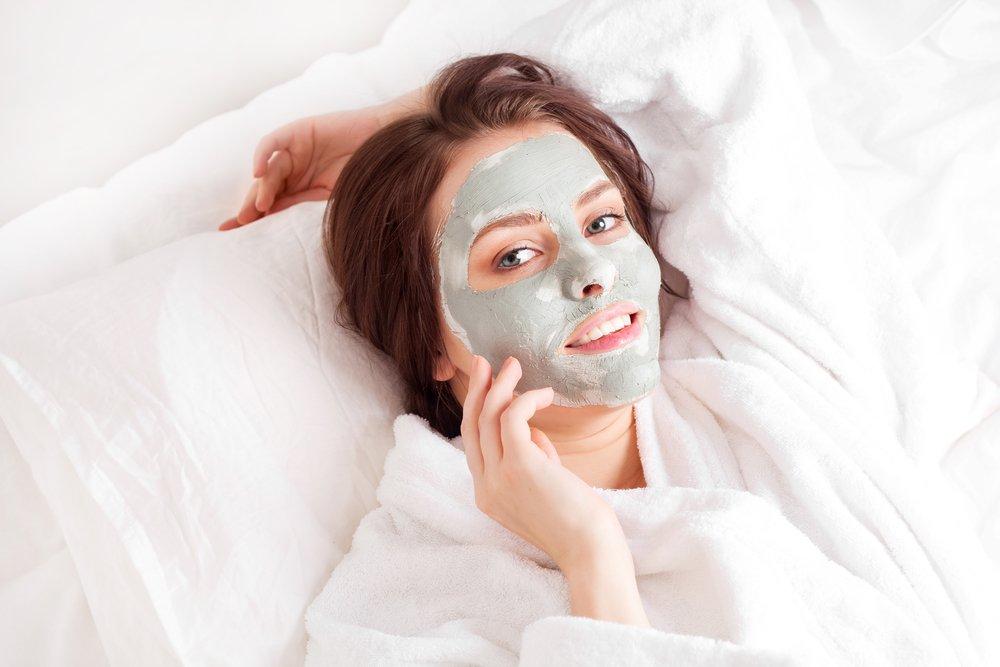 Показания к применению голубой глины для красоты и здоровья кожи