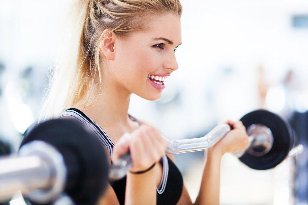 Основные фитнес-упражнения для пресса в вертикальном положении