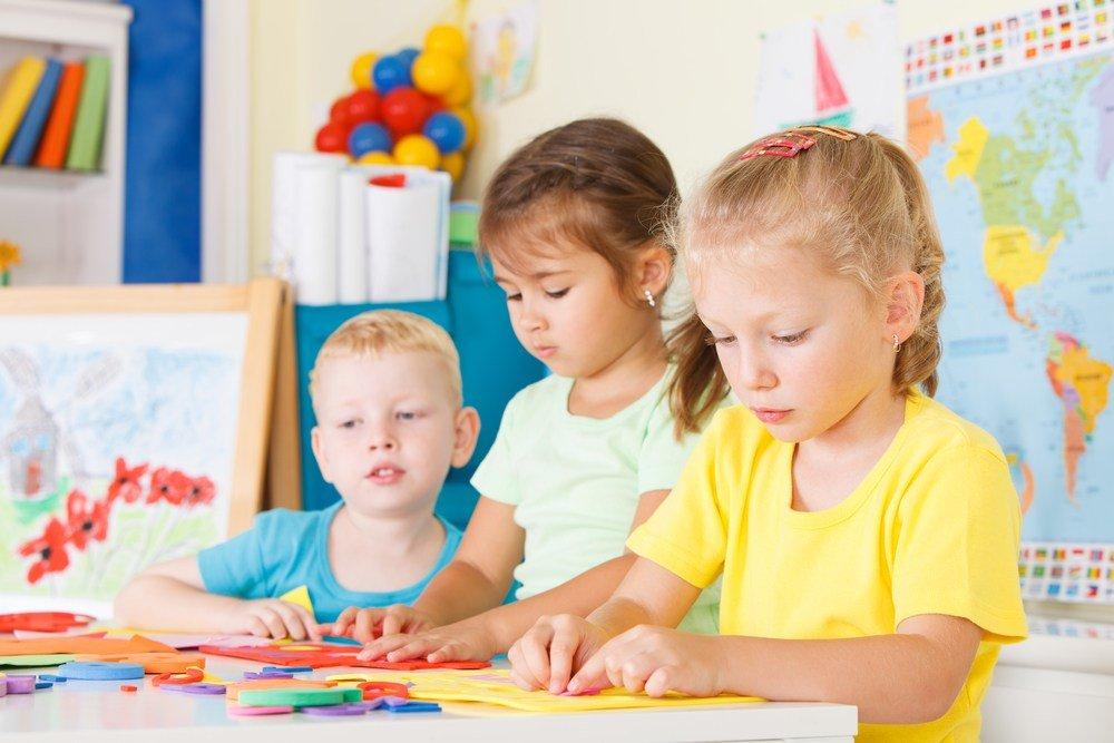 Плюсы нахождения в детском саду: развлечения для детей, общение и многое другое