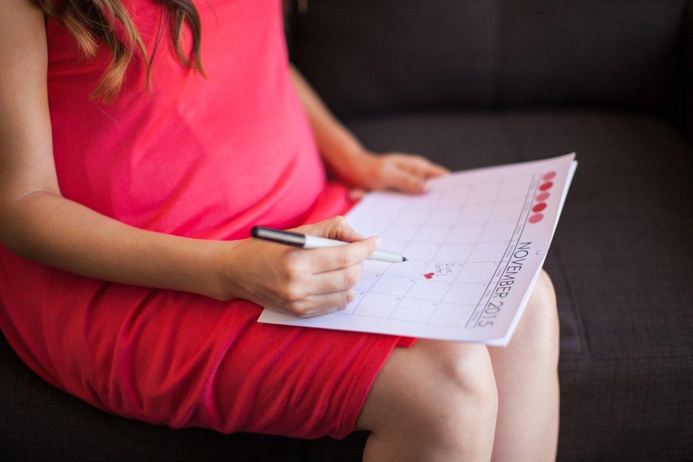 Первые недели календаря беременности: когда начинать считать?