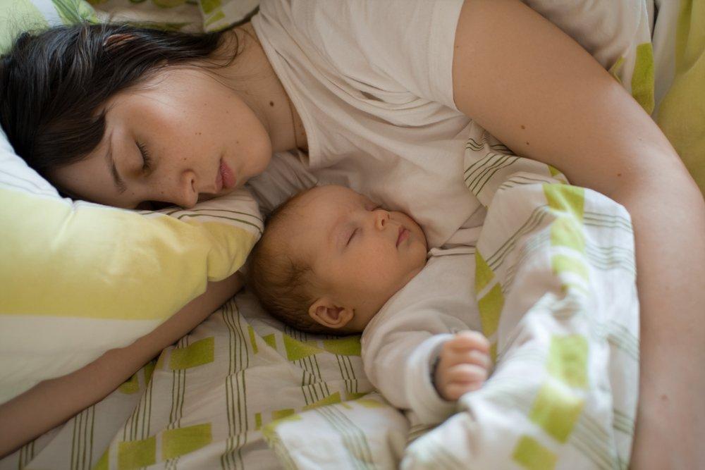 Как правильно находиться с малышом вместе в ночное время