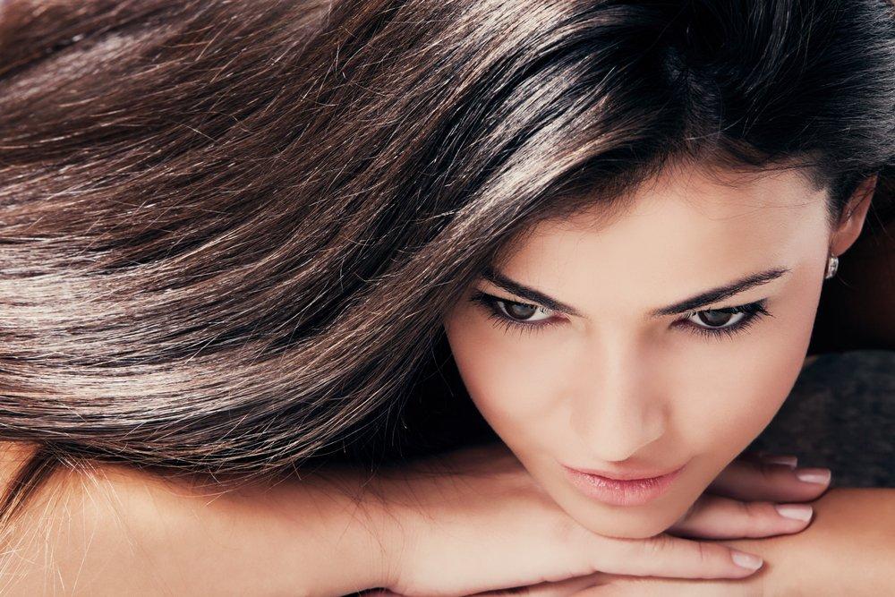 Басма — темные волосы без перхоти