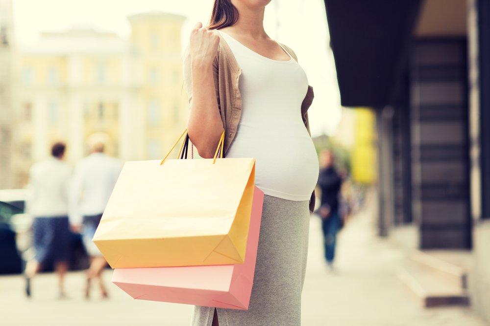 Период ожидания малыша: требования к одежде