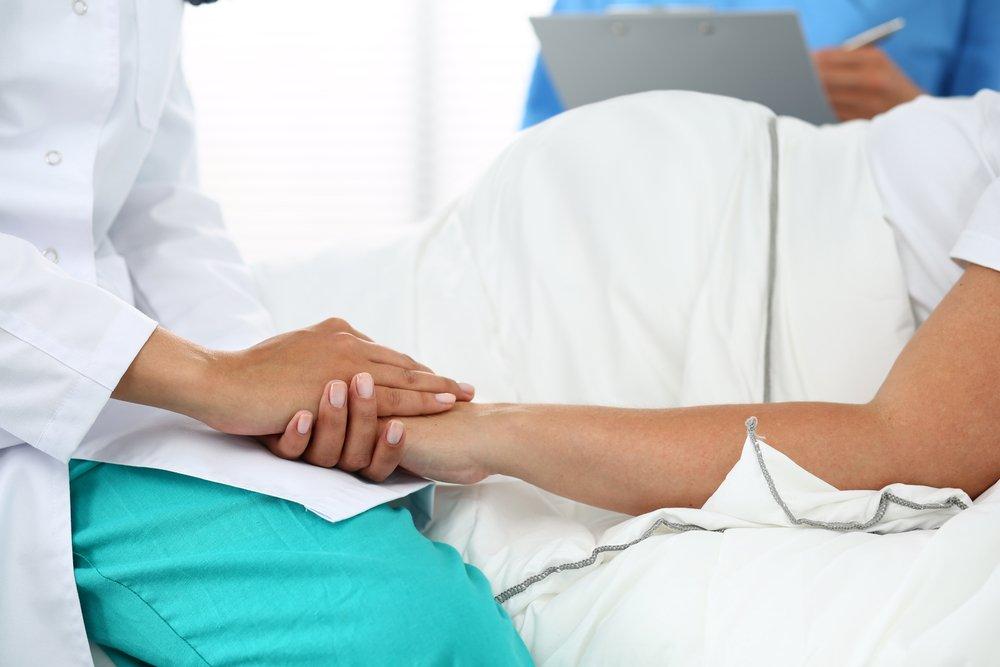 Как проводится лечение больных гепатитом женщин при беременности?