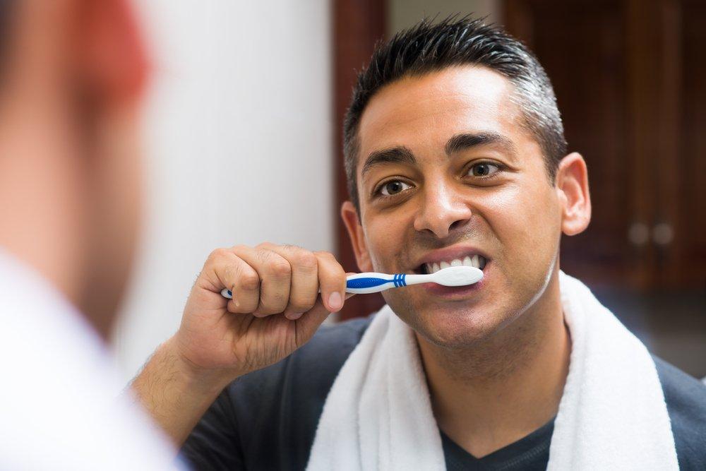 Привычка не менять зубную щетку и мочалку