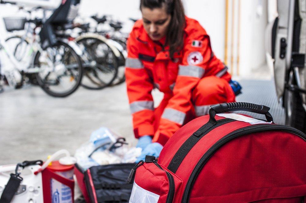Как проводят реанимацию пострадавшего в чрезвычайных условиях