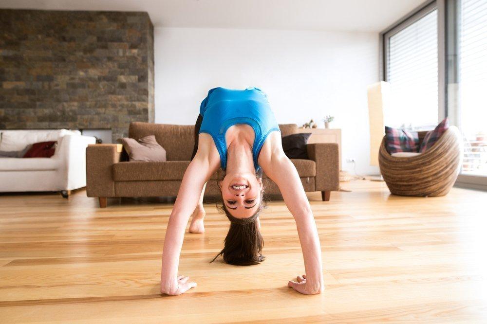Фитнес дома: осваиваем мостик