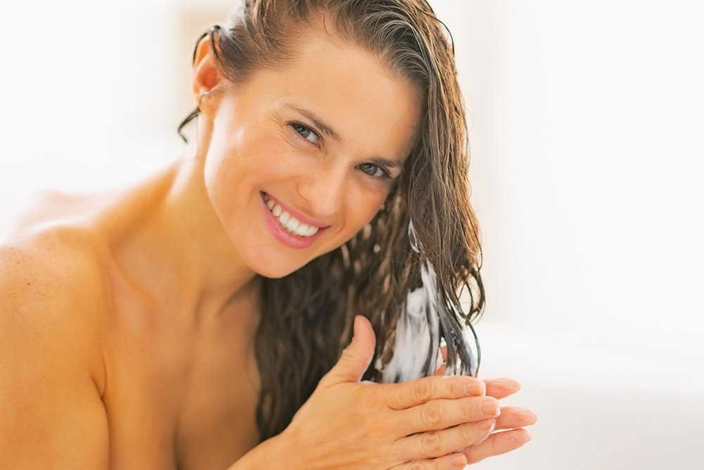 Массируйте волосы горячими маслами
