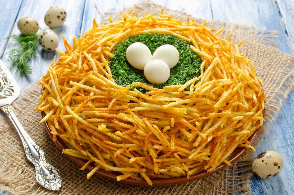 Салат «Гнездо глухаря»: рецепт с копченой курицей