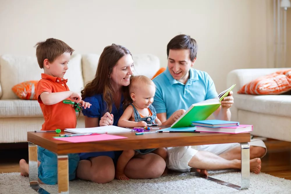 Картинка дети с родителями
