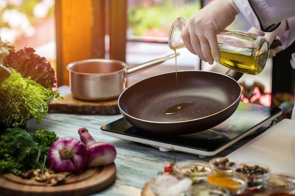 Посуда с антипригарным покрытием: какие опасности подстерегают при питании из нее?