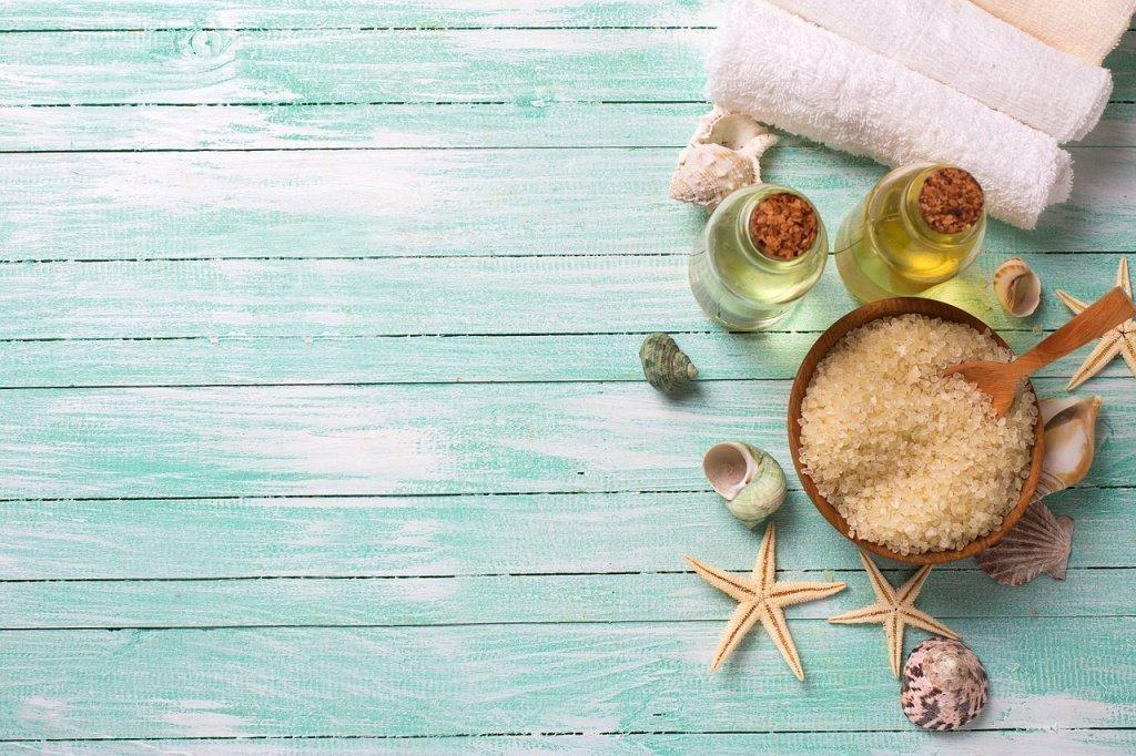 Смягчающий медово-солевой скраб