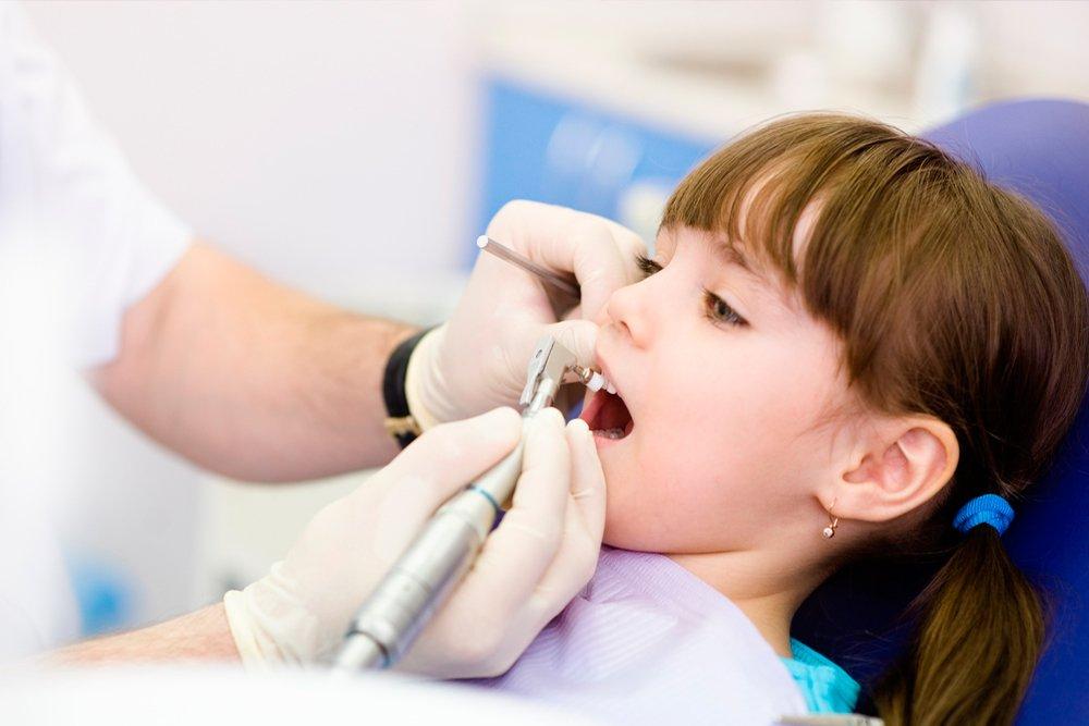 Защитим постоянные зубы от кариеса