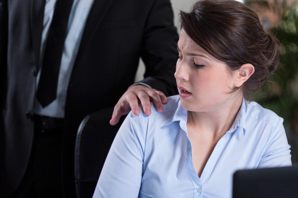Теория заговора: моббинг на работе