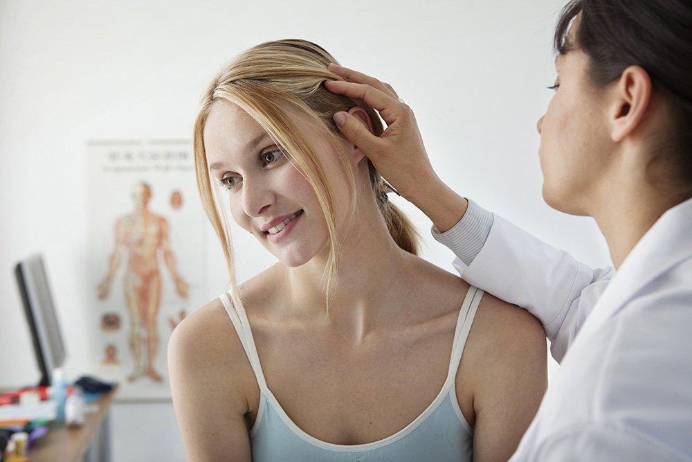 Записаться на прием к врачу: как устранить выпадение?