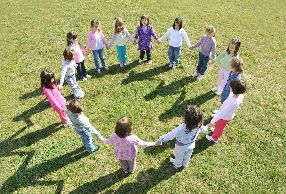 Речевое развитие ребенка: подвижные игры на свежем воздухе
