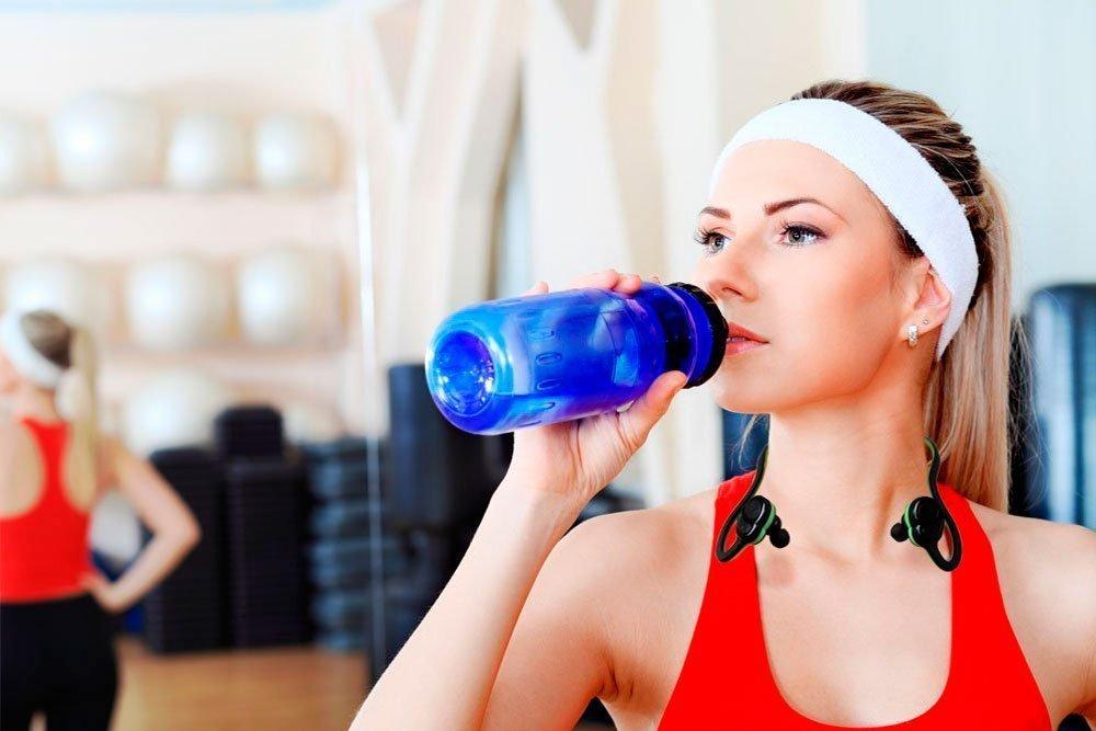 Миф № 4: Правильное похудение требует отказа от еды и питья после тренировок