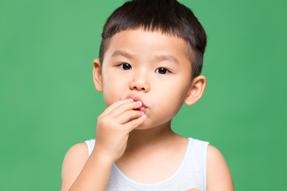 Хроническая механическая травма полости рта у детей