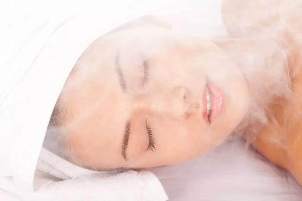 Вапоризатор для борьбы с сухостью и воспалением кожи лица
