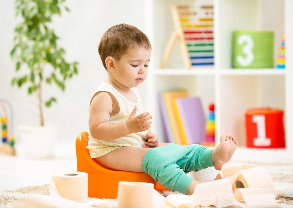 Ребенок пачкает трусики  Здоровье детей  Форум сайта Няняру