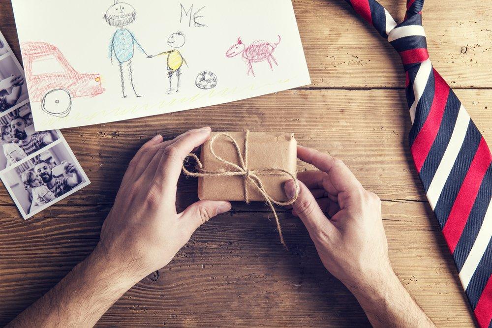 Отличный подарок от ребенка — магнитный браслет