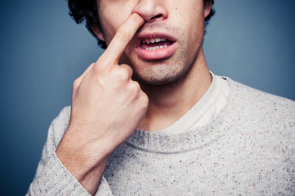 Опасности привычки ковыряться в носу