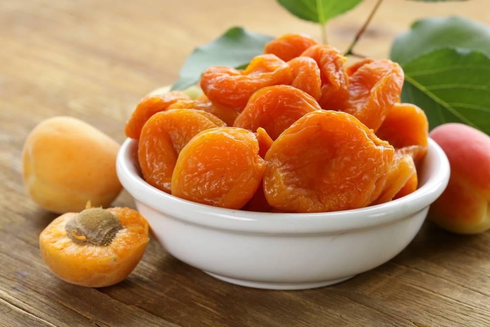 Курага и абрикосы — неизменный элемент питания при проблемах с кишечником
