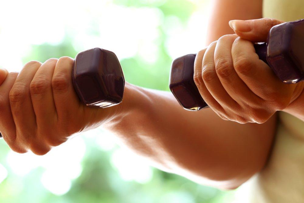 Тренировки для похудения плеч и рук поклонникам ЗОЖ
