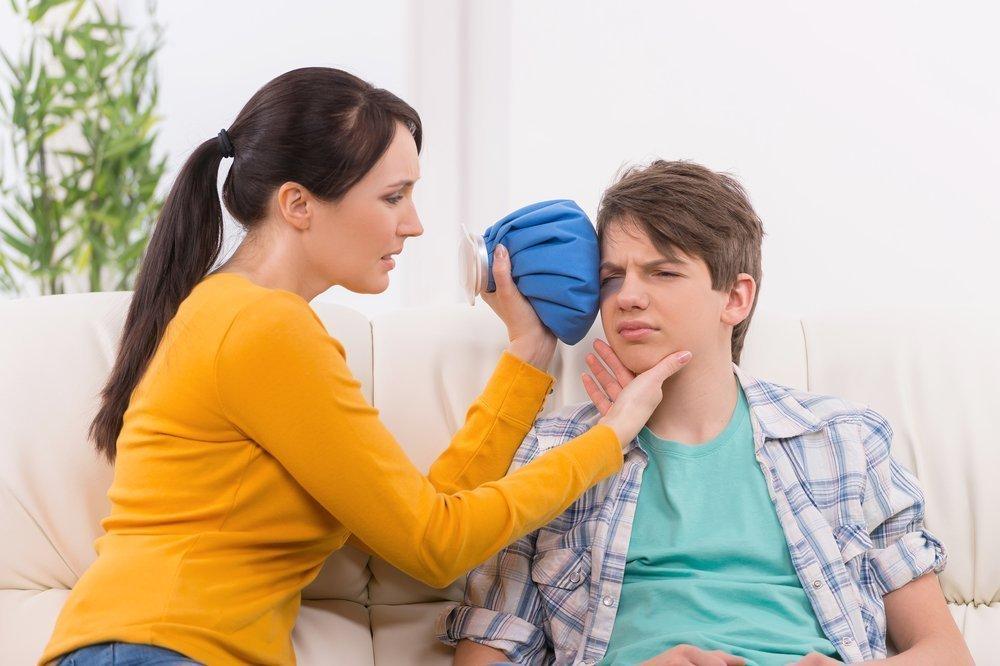 Тяжелая травма глаза: контузия, ожог и другие