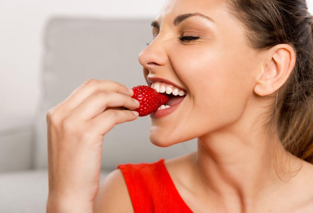 Клубника: полезные свойства ягоды