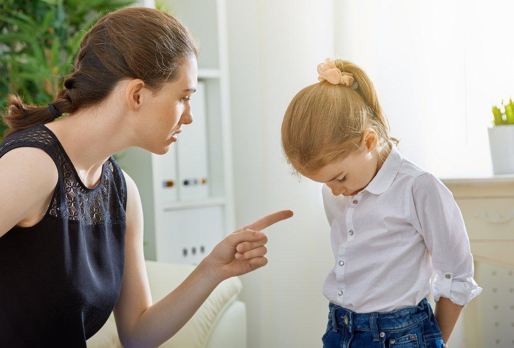 Закон «о шлепках»: родители в шоке