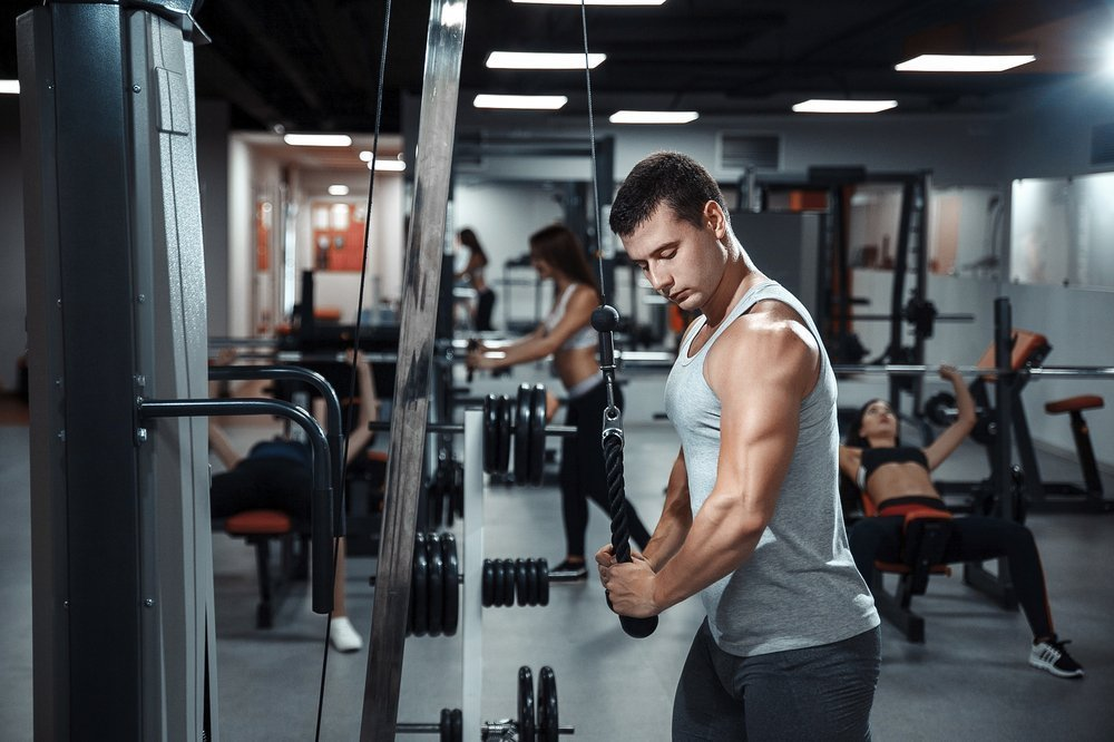 Упражнение для мышц живота «Дровосек»